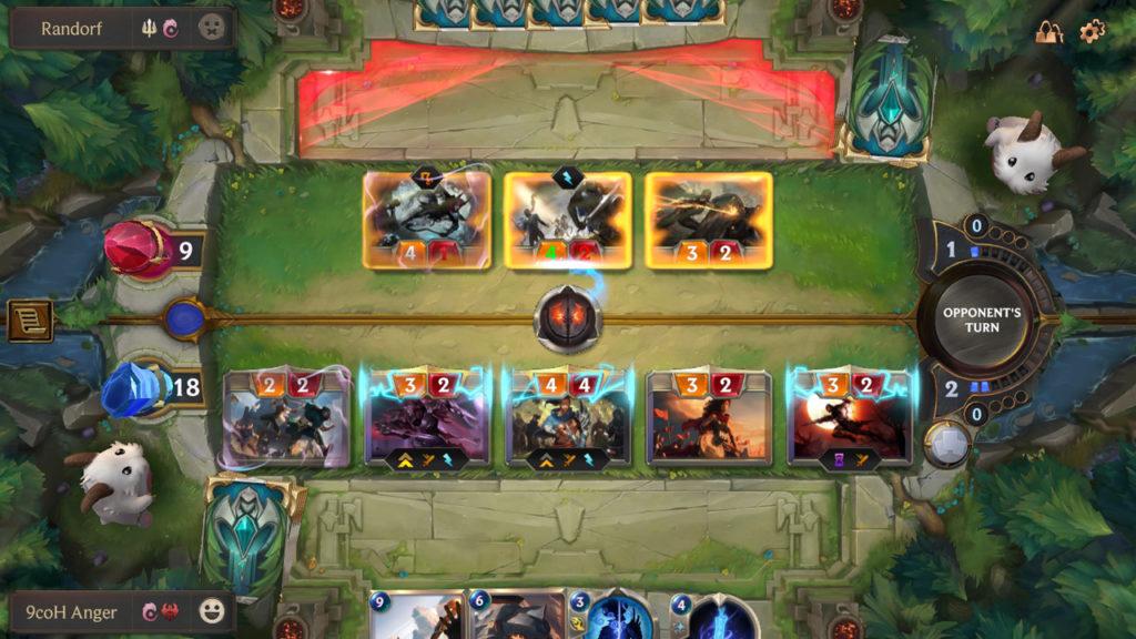 Типичное сражение в Legends of Runeterra