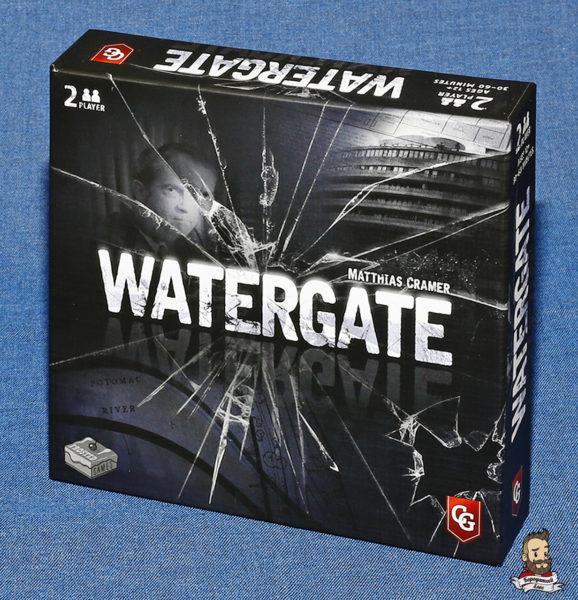 Коробка с игрой Watergate